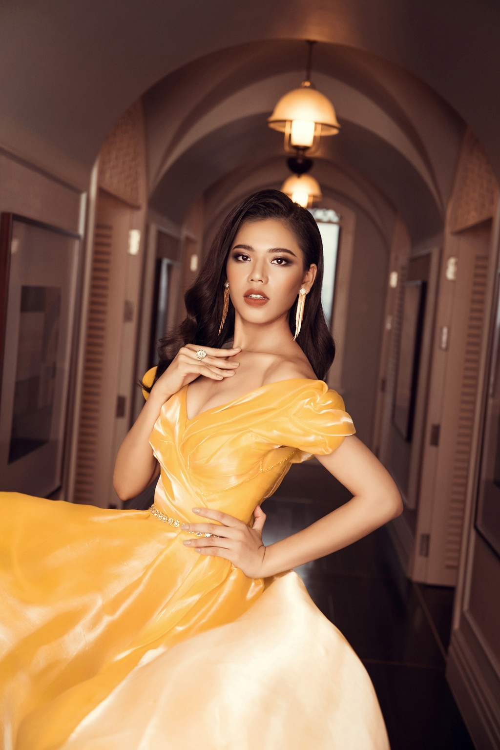 Top 45 Hoa hau Hoan vu Viet Nam khoe voc dang voi dam da hoi hinh anh 8
