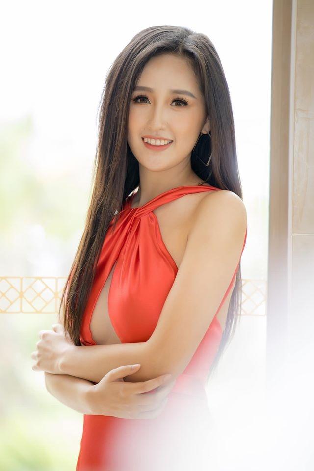 Ly do Hoang Thuy dung chan o top 20 Hoa hau Hoan vu The gioi hinh anh 2