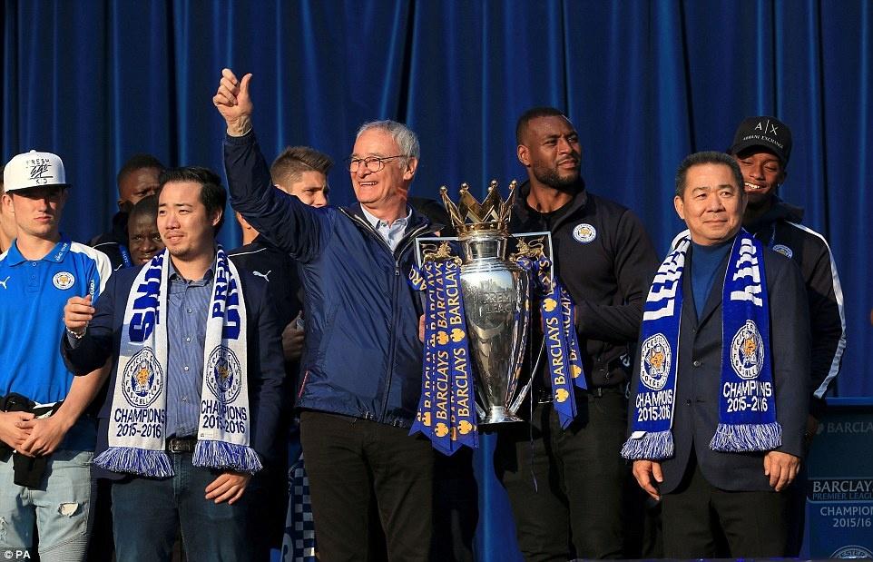 240.000 fan Leicester du le dieu hanh mung chuc vo dich hinh anh 5