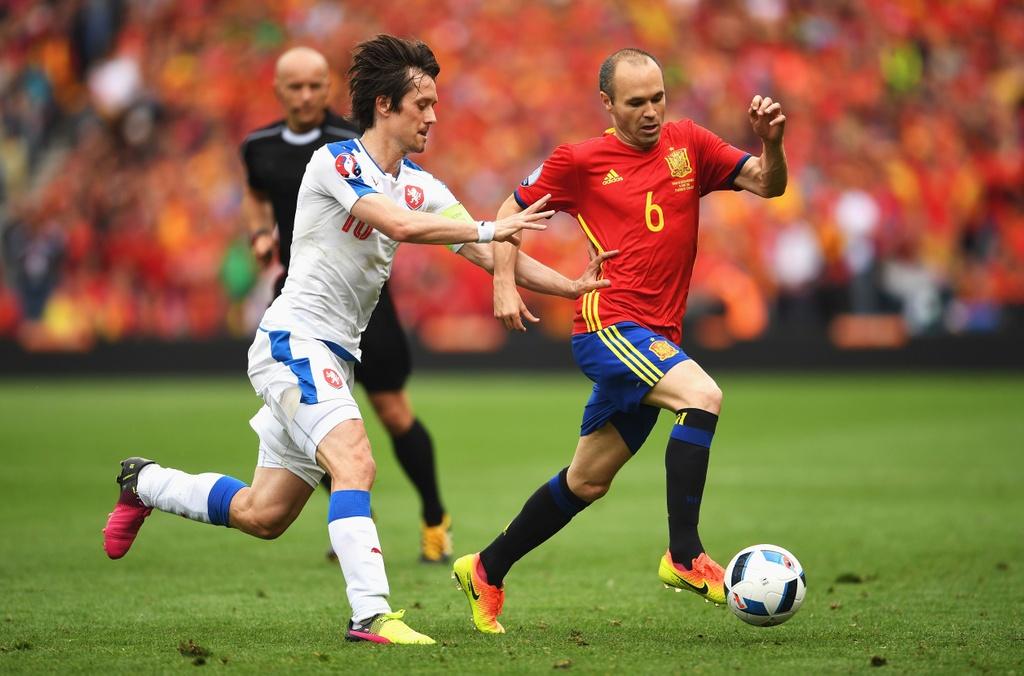 Doi hinh hay nhat luot dau vong bang Euro 2016 hinh anh 7