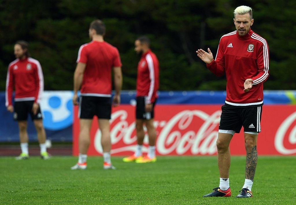 Bale tu tin truoc Ronaldo o ban ket Euro 2016 hinh anh 6