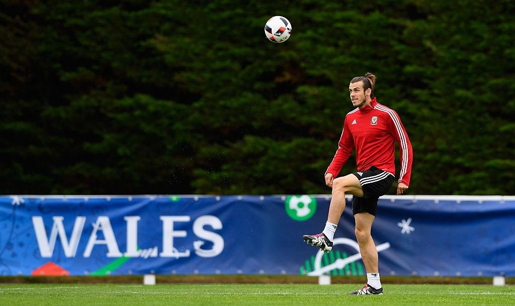Bale tu tin truoc Ronaldo o ban ket Euro 2016 hinh anh 2