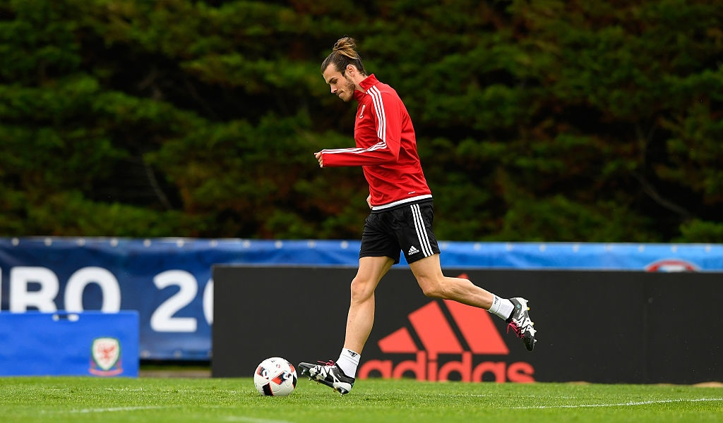 Bale tu tin truoc Ronaldo o ban ket Euro 2016 hinh anh 1