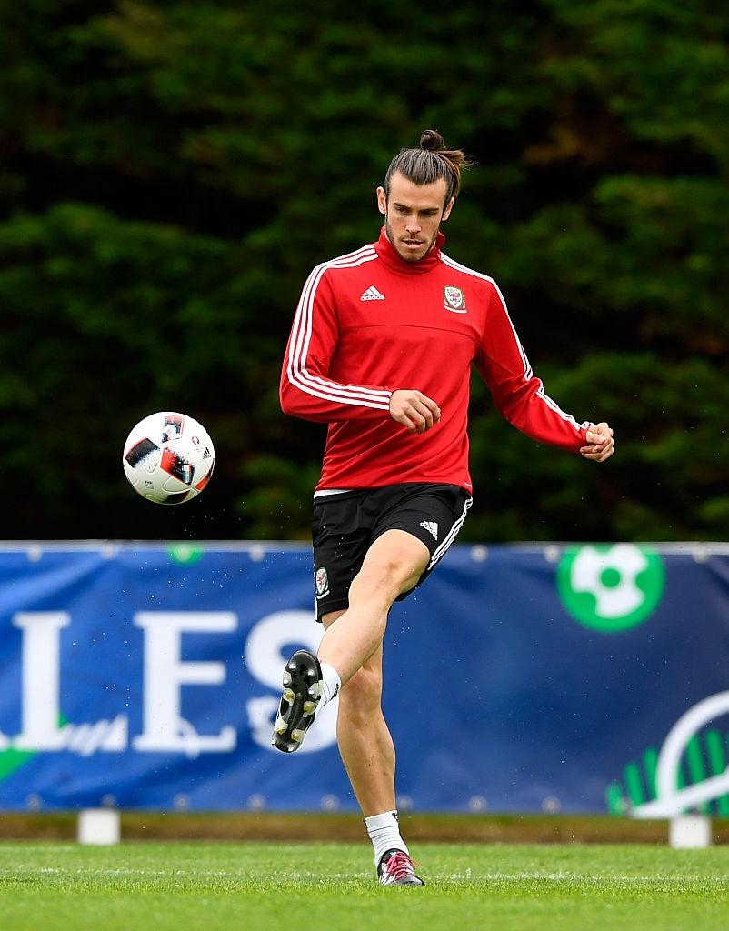 Bale tu tin truoc Ronaldo o ban ket Euro 2016 hinh anh 3