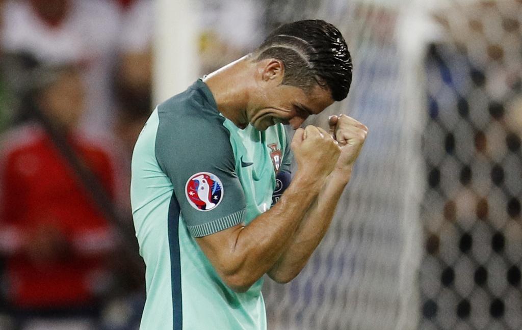 Ronaldo an mung phan khich sau ban ket anh 3