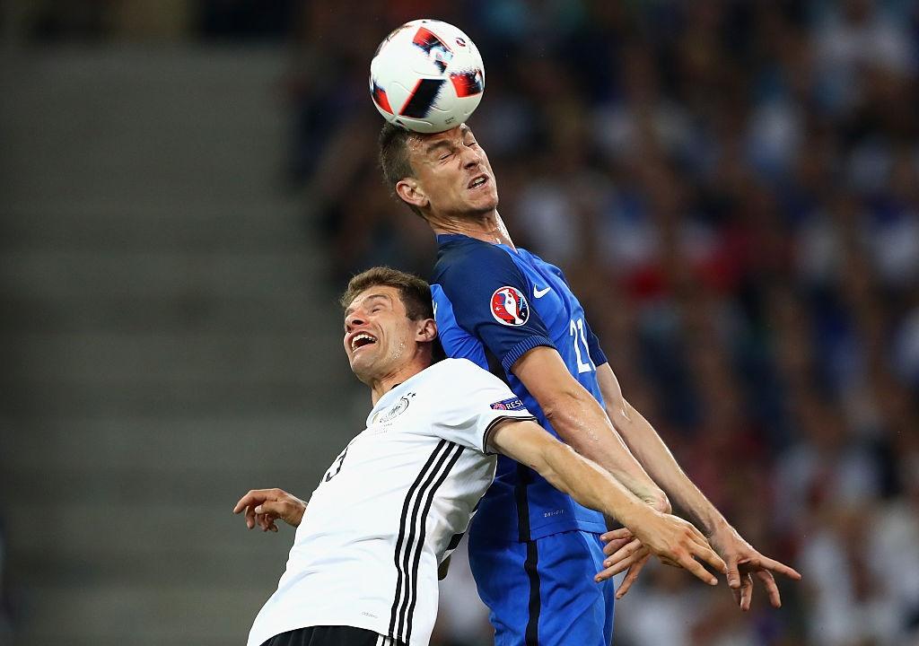 Ronaldo, Bale vao doi hinh hay nhat ban ket Euro 2016 hinh anh 4