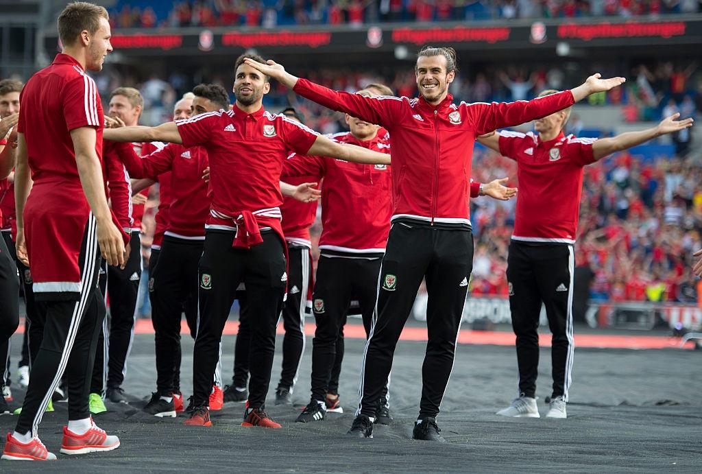 CDV do ra duong don Bale va dong doi sau Euro 2016 hinh anh 10