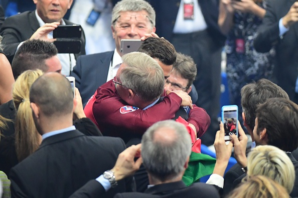 Ronaldo om Sir Alex sau chung ket Euro anh 4