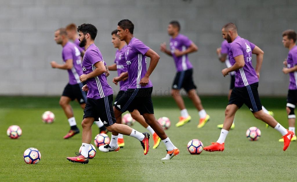 Zidane cho cau thu Real chay bo, leo doc ren the luc hinh anh 8