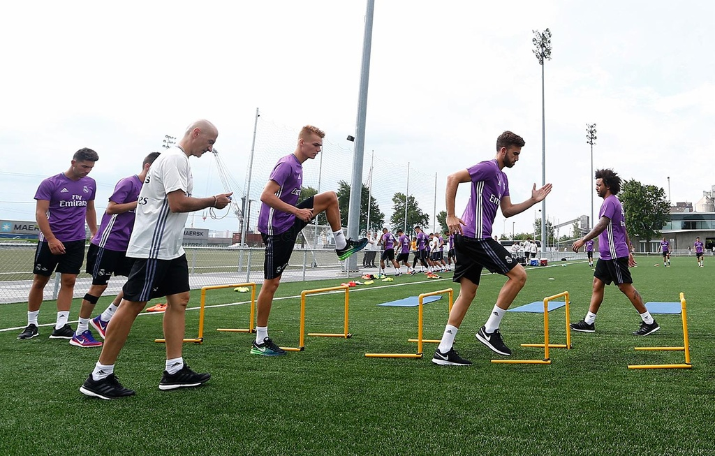 Zidane cho cau thu Real chay bo, leo doc ren the luc hinh anh 4