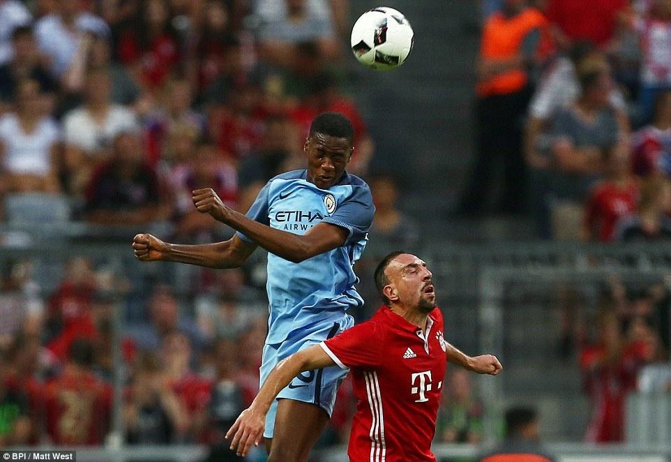 Guardiola thua khi tro lai Bayern hinh anh 4
