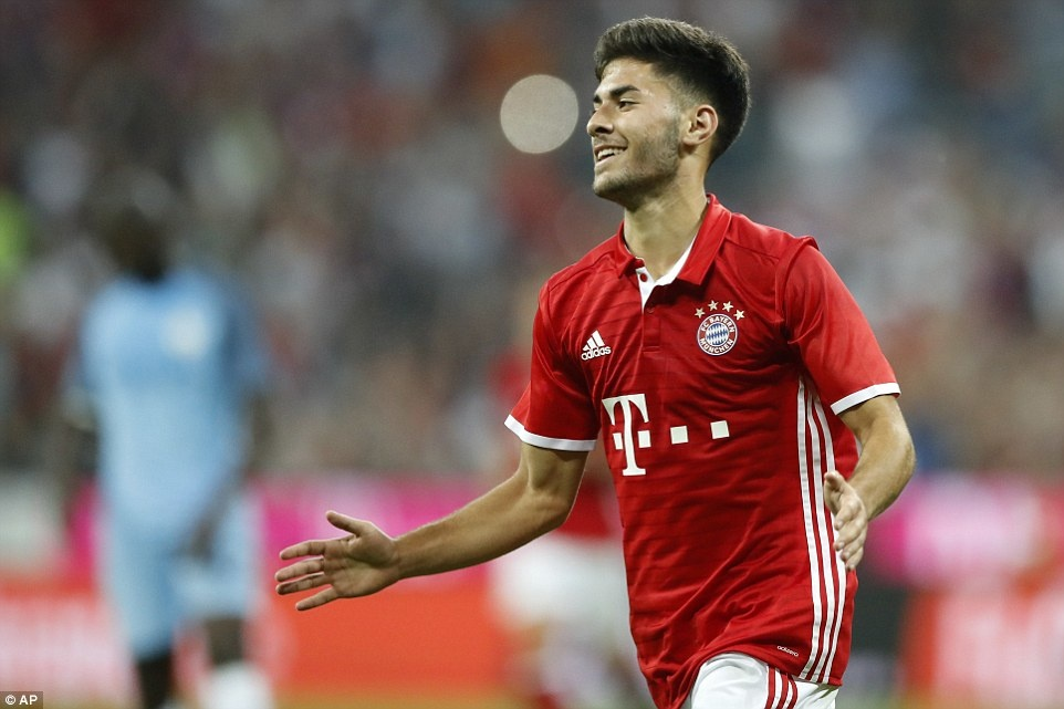 Guardiola thua khi tro lai Bayern hinh anh 10