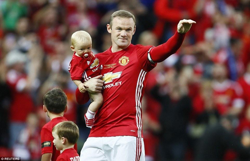 Sir Alex, David Moyes chung kien tran dau tri an Rooney hinh anh 2
