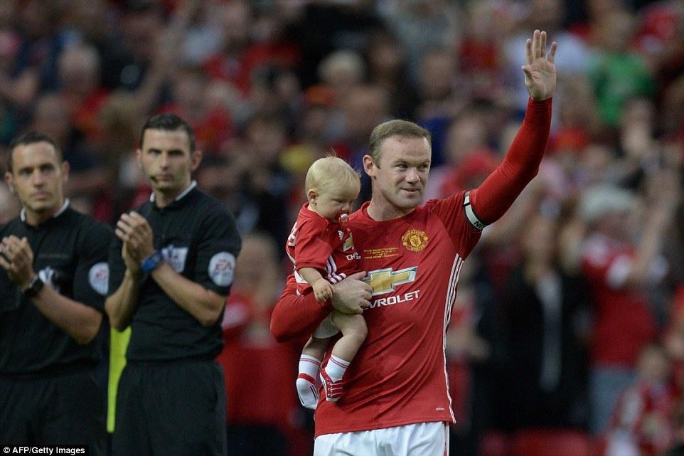 Sir Alex, David Moyes chung kien tran dau tri an Rooney hinh anh 3