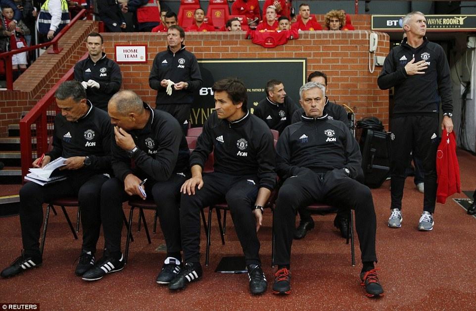 Sir Alex, David Moyes chung kien tran dau tri an Rooney hinh anh 7
