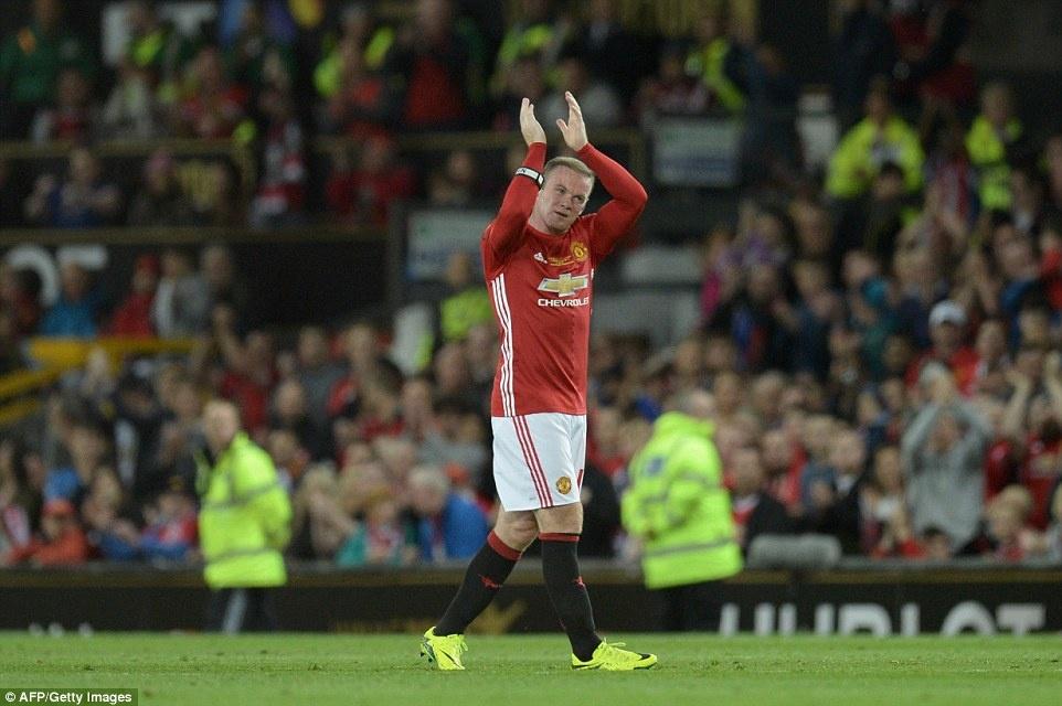 Sir Alex, David Moyes chung kien tran dau tri an Rooney hinh anh 10