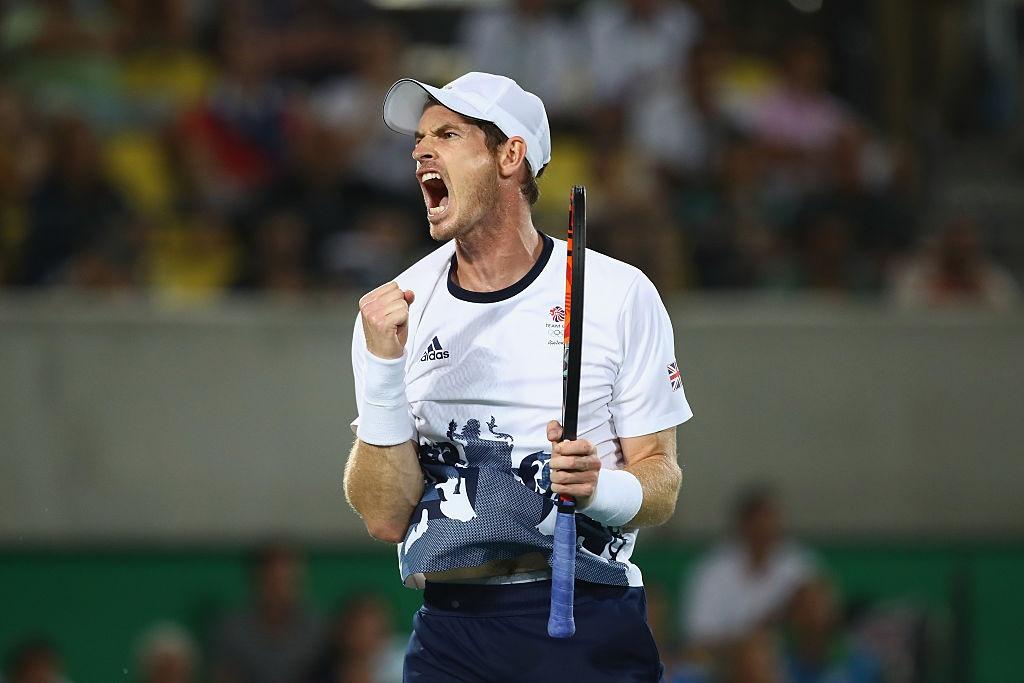 Bolt quay lai nhin doi thu khi ve nhat tao cam xuc o Olympic hinh anh 7