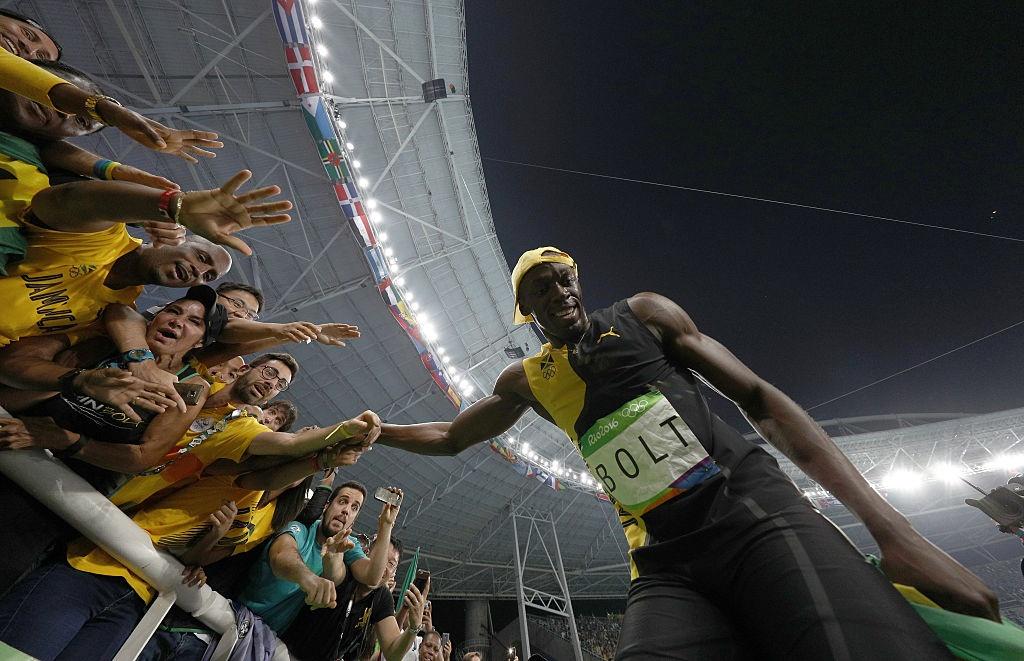 Bolt quay lai nhin doi thu o dich anh 5