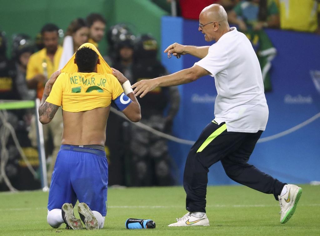 Neymar khoc khi giup Brazil gianh HCV Olympic 2016 hinh anh 3