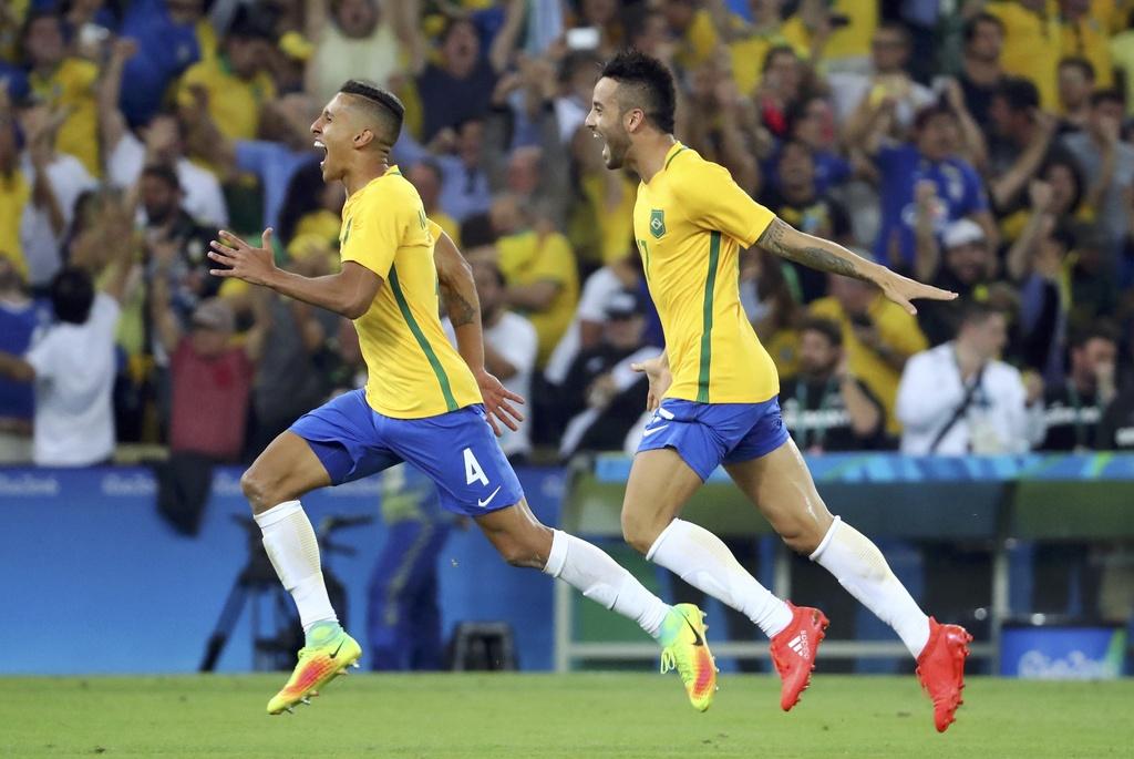 Neymar khoc khi giup Brazil gianh HCV Olympic 2016 hinh anh 7