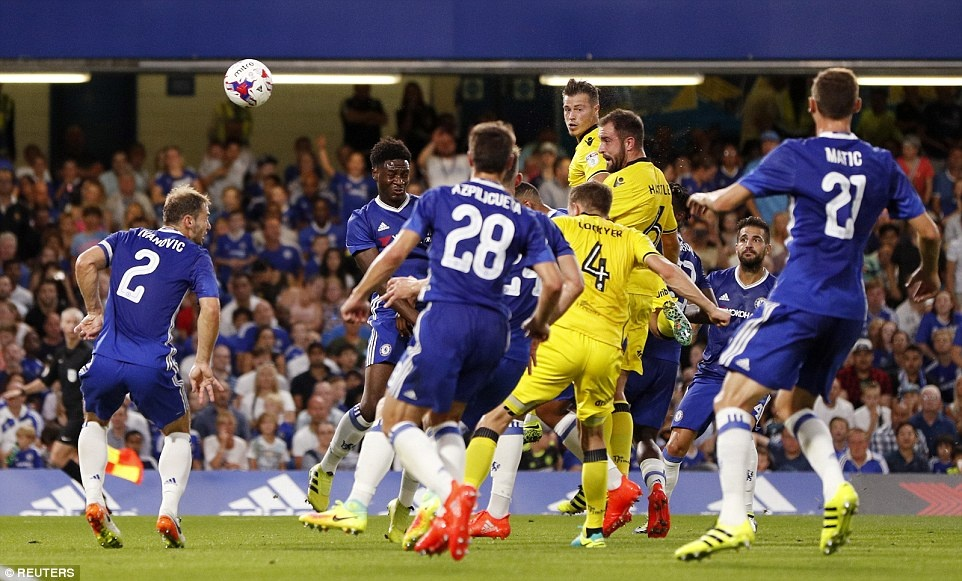 Chelsea thang CLB hang 3 o League Cup anh 6