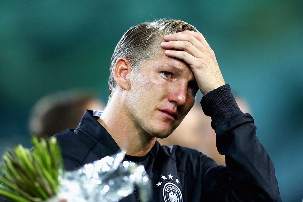 'Chien binh vi dai' Schweinsteiger khoc khi chia tay DT Duc hinh anh 3