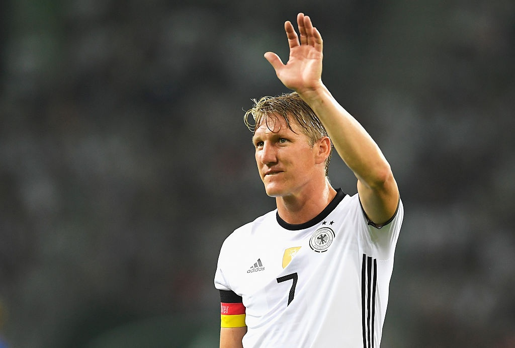 'Chien binh vi dai' Schweinsteiger khoc khi chia tay DT Duc hinh anh 4