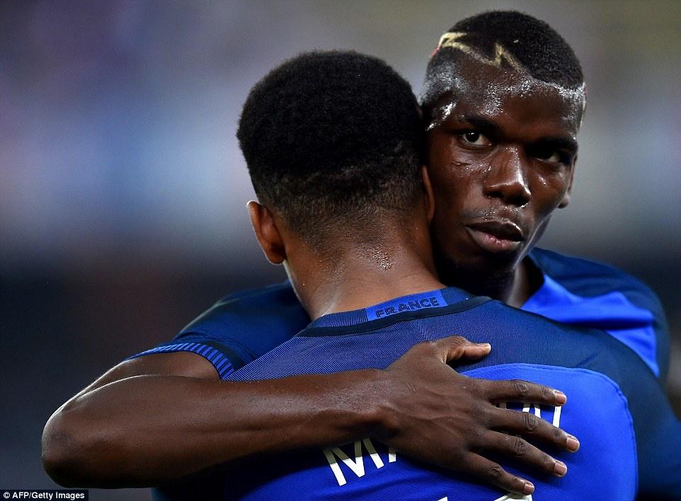 Paul Pogba lap cu dup kien tao, Phap ha Italy 3-1 hinh anh 2