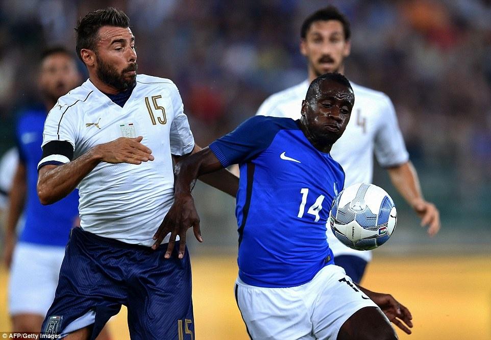 Paul Pogba lap cu dup kien tao, Phap ha Italy 3-1 hinh anh 7