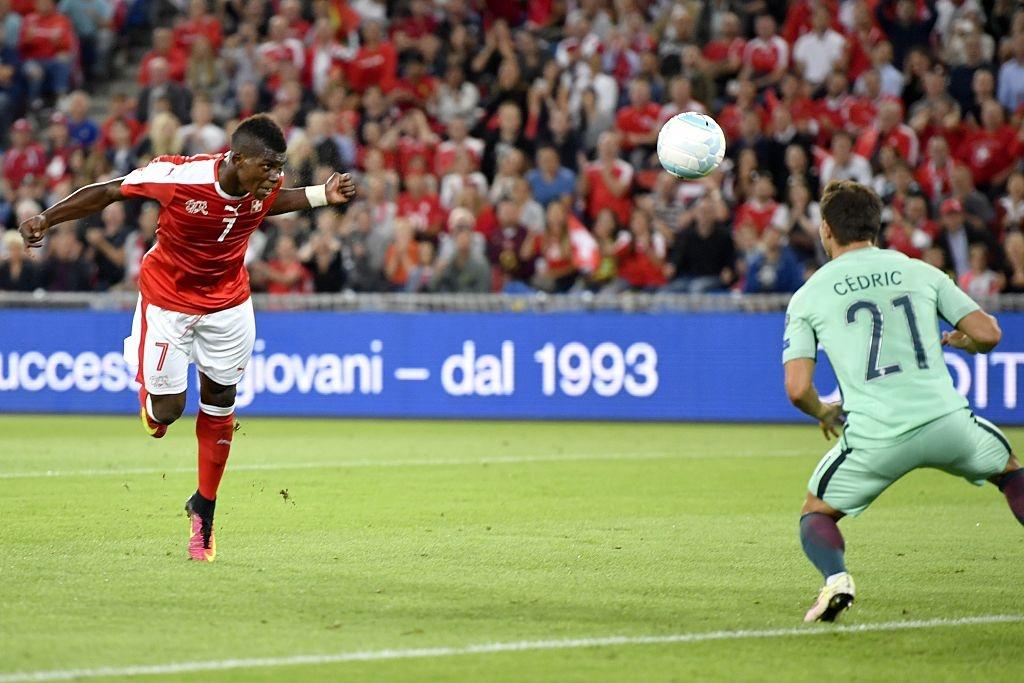 Khong co Ronaldo, Bo Dao Nha thua 0-2 va dung cuoi bang hinh anh 4