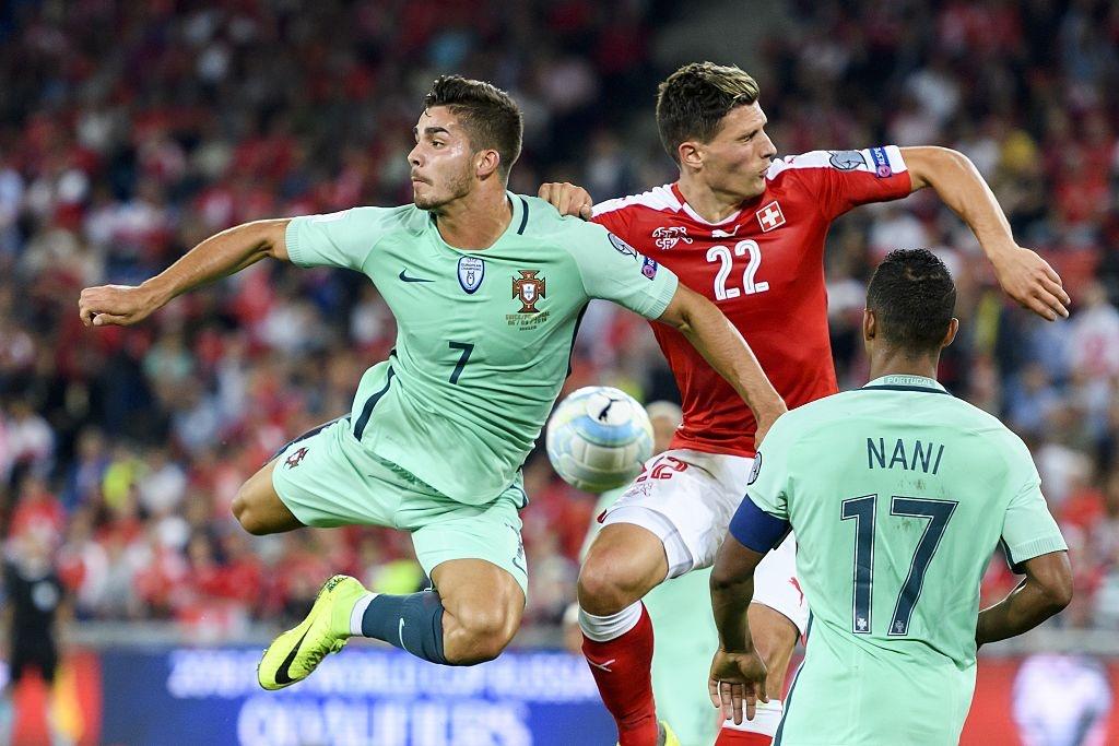 Khong co Ronaldo, Bo Dao Nha thua 0-2 va dung cuoi bang hinh anh 3