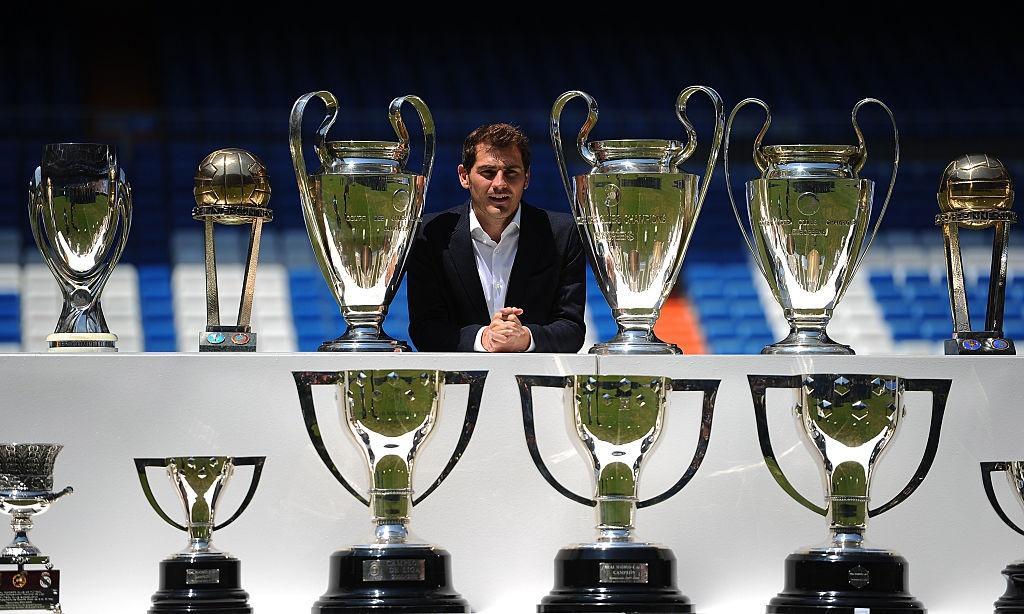 Doi hinh huyen thoai ra san nhieu nhat Champions League hinh anh 2