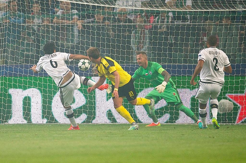 Dortmund thang 6-0 o Champions League anh 3