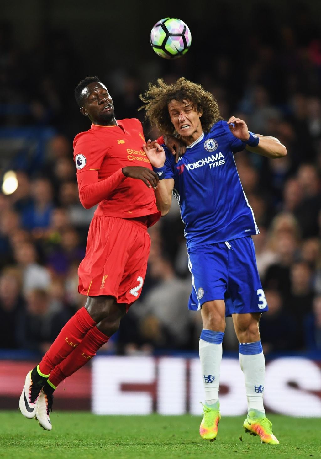 David Luiz do mau o tran dau khoac ao Chelsea mua nay hinh anh 8