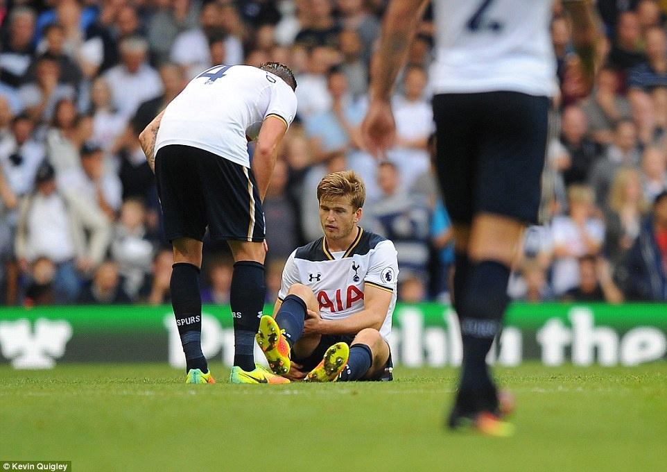 Tottenham tra gia dat cho tran thang doi cua David Moyes hinh anh 5