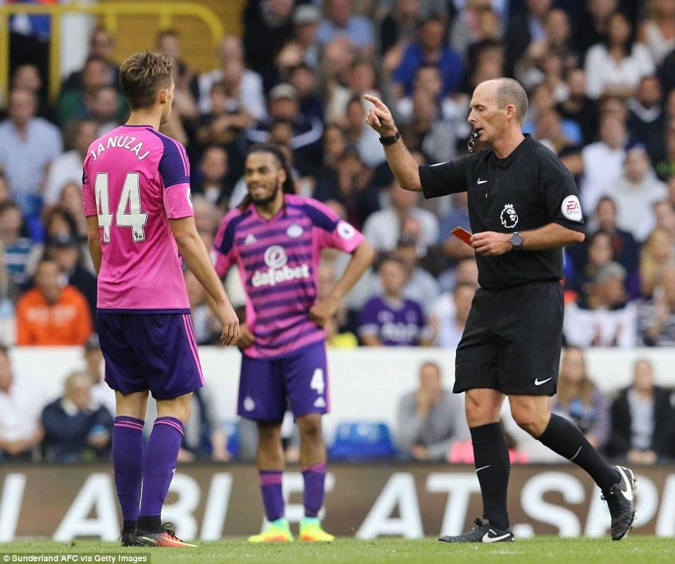 Tottenham tra gia dat cho tran thang doi cua David Moyes hinh anh 9