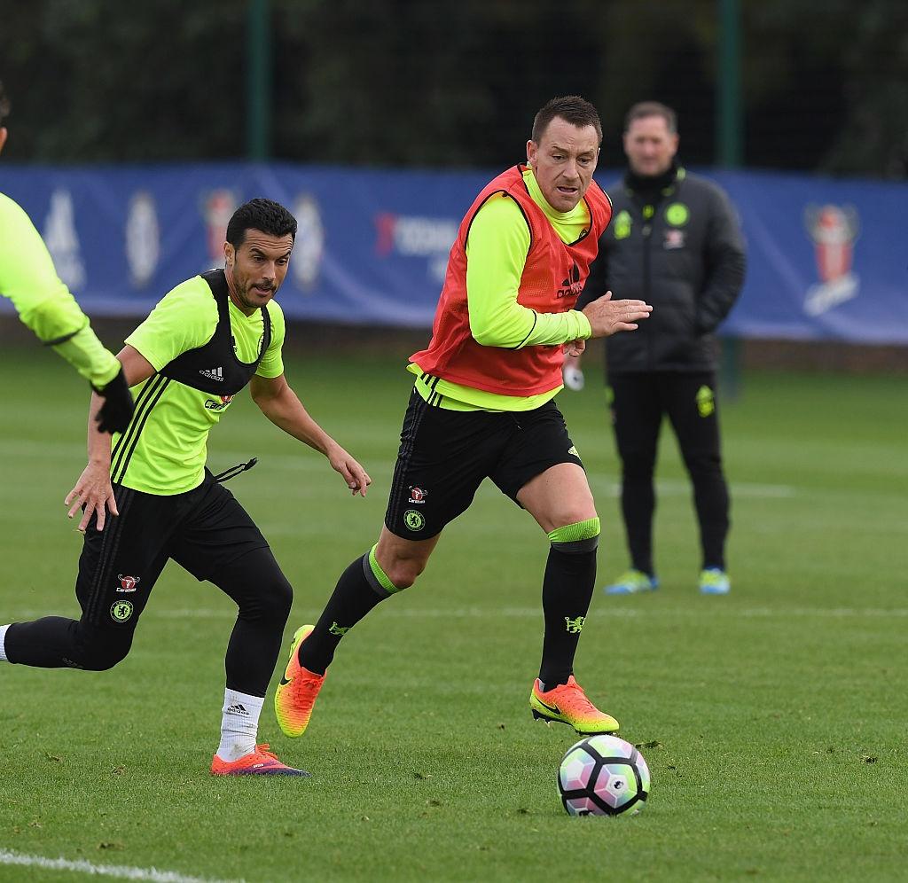 Don Terry tro lai, Conte san sang doi dau Mourinho hinh anh 3