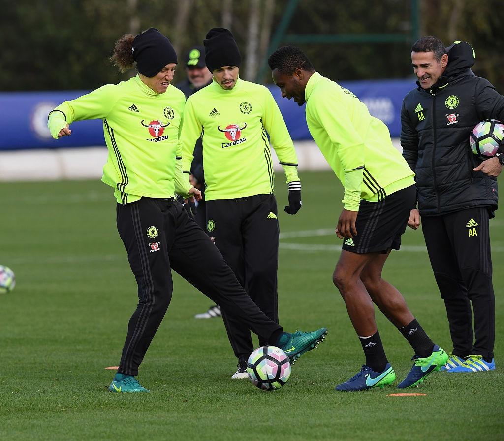 Don Terry tro lai, Conte san sang doi dau Mourinho hinh anh 7