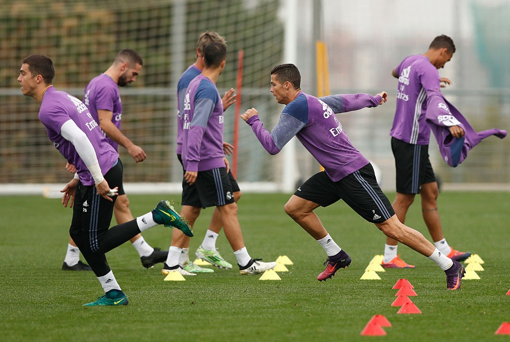 Ronaldo miet mai tap luyen nham giai con khat ban thang hinh anh 1