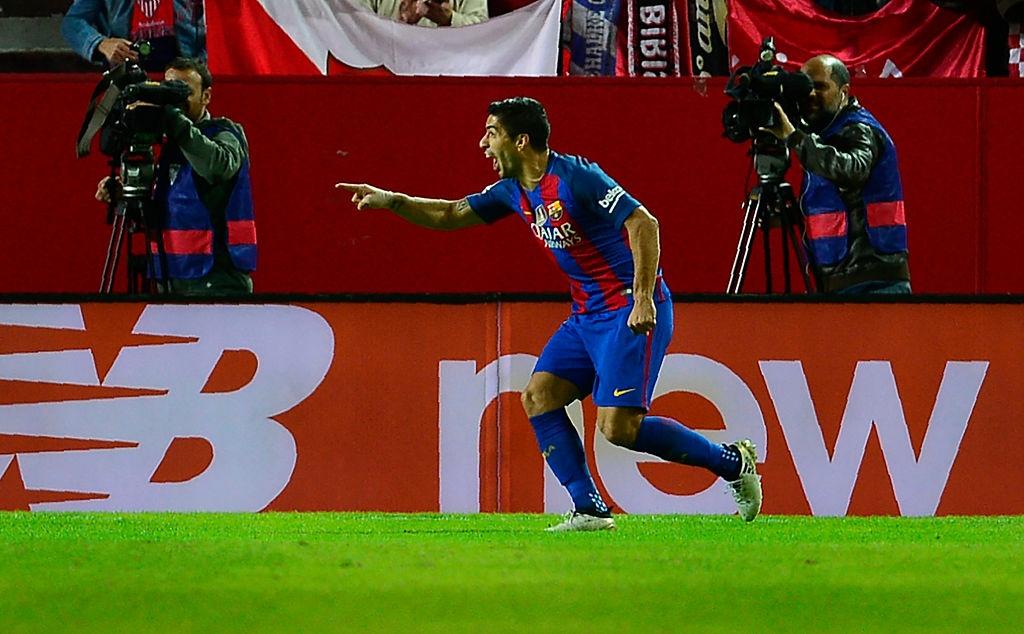 Messi va Suarez giup Barca thang nguoc Sevilla 2-1 hinh anh 7