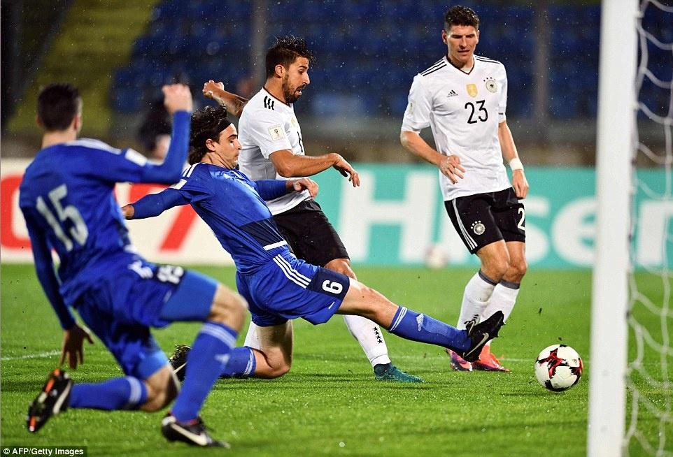 Thang San Marino 8-0, tuyen Duc xay chac ngoi dau hinh anh 3