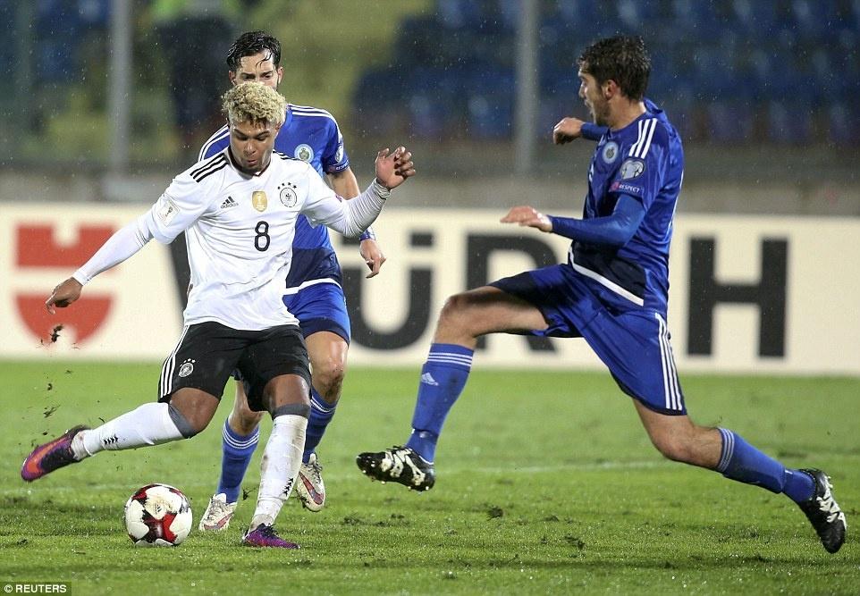 Thang San Marino 8-0, tuyen Duc xay chac ngoi dau hinh anh 4
