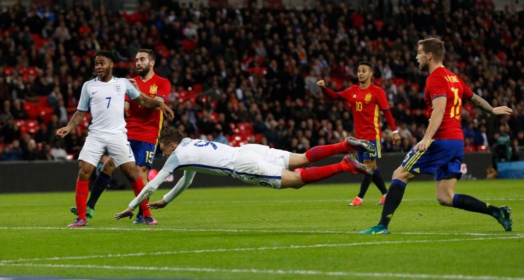 Anh hoa Tay Ban Nha 2-2 anh 11