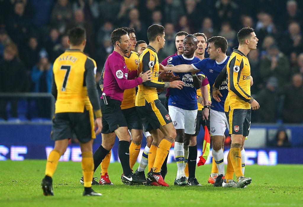 Arsenal thua nguoc 1-2 truoc Everton anh 7
