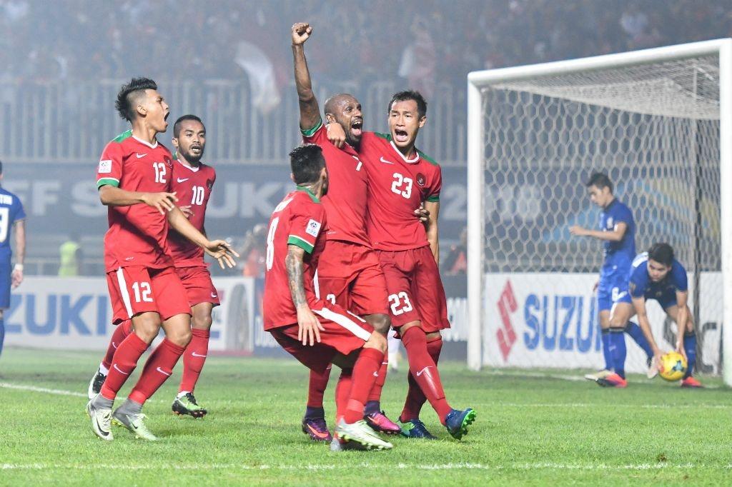 Fan Indonesia treo rao co vu doi nha danh bai Thai Lan hinh anh 6