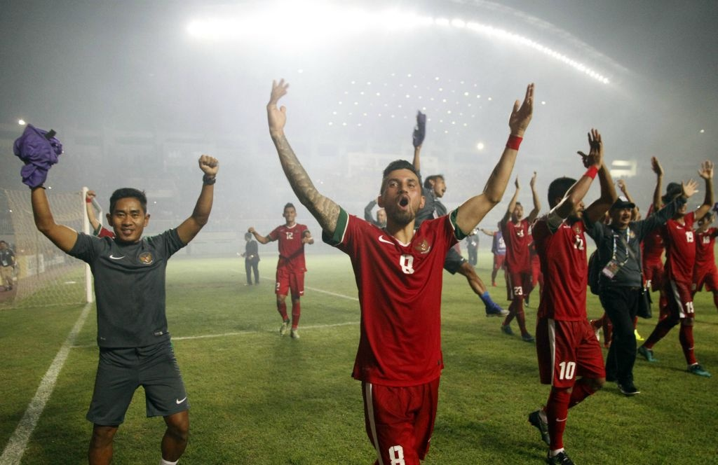 Fan Indonesia treo rao co vu doi nha danh bai Thai Lan hinh anh 7