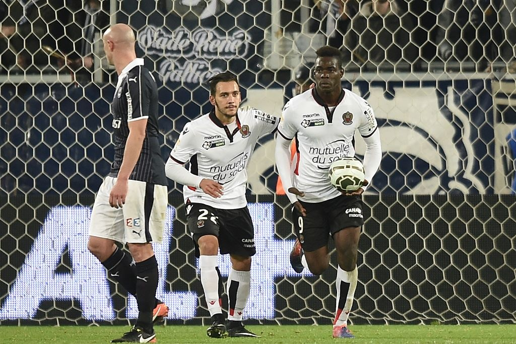 Balotelli sut penalty ghi ban, Nice van thua 2-3 hinh anh 3