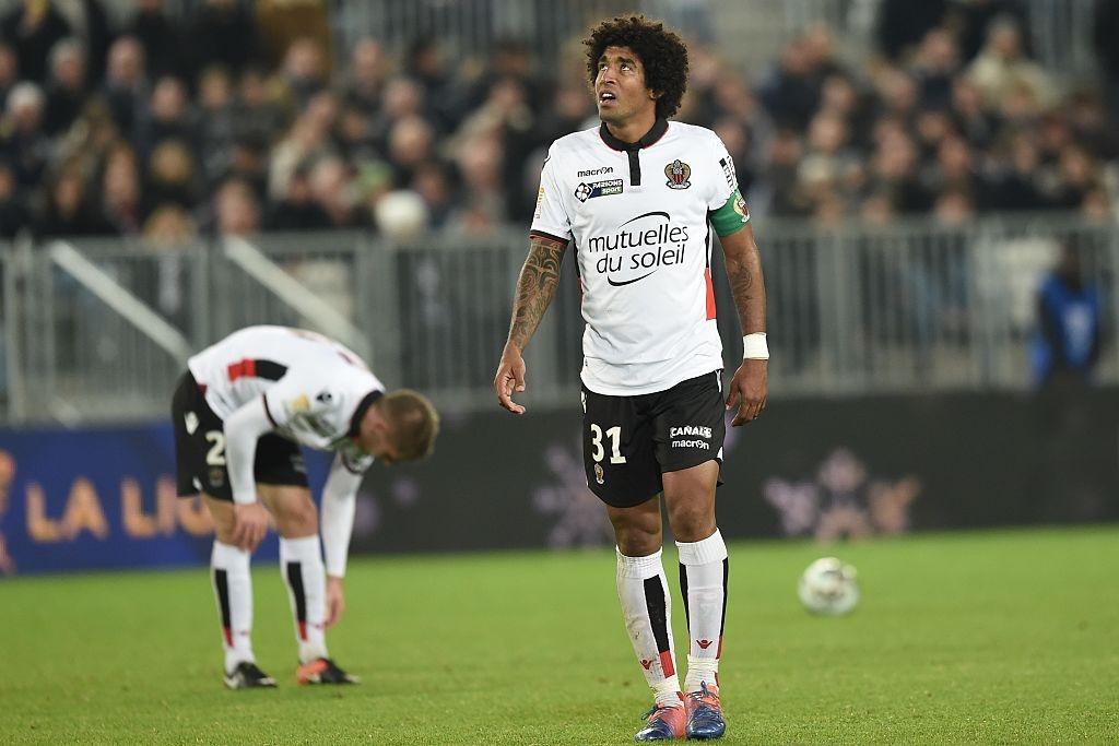 Balotelli sut penalty ghi ban, Nice van thua 2-3 hinh anh 7