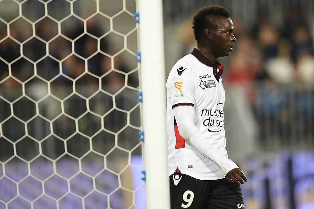 Balotelli sut penalty ghi ban, Nice van thua 2-3 hinh anh 4