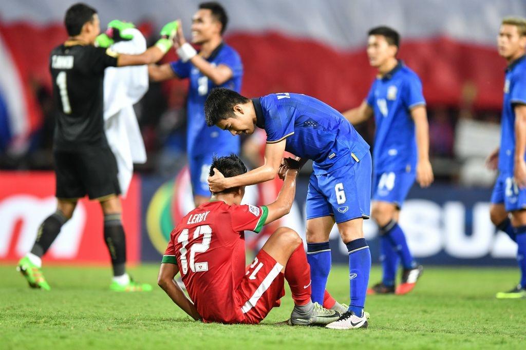Thai Lan an ui cau thu Indonesia sau chung ket AFF Cup hinh anh 1